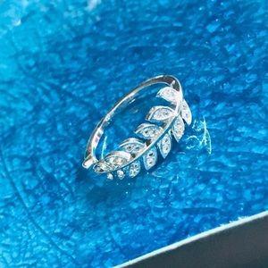 Single branch silver Ring